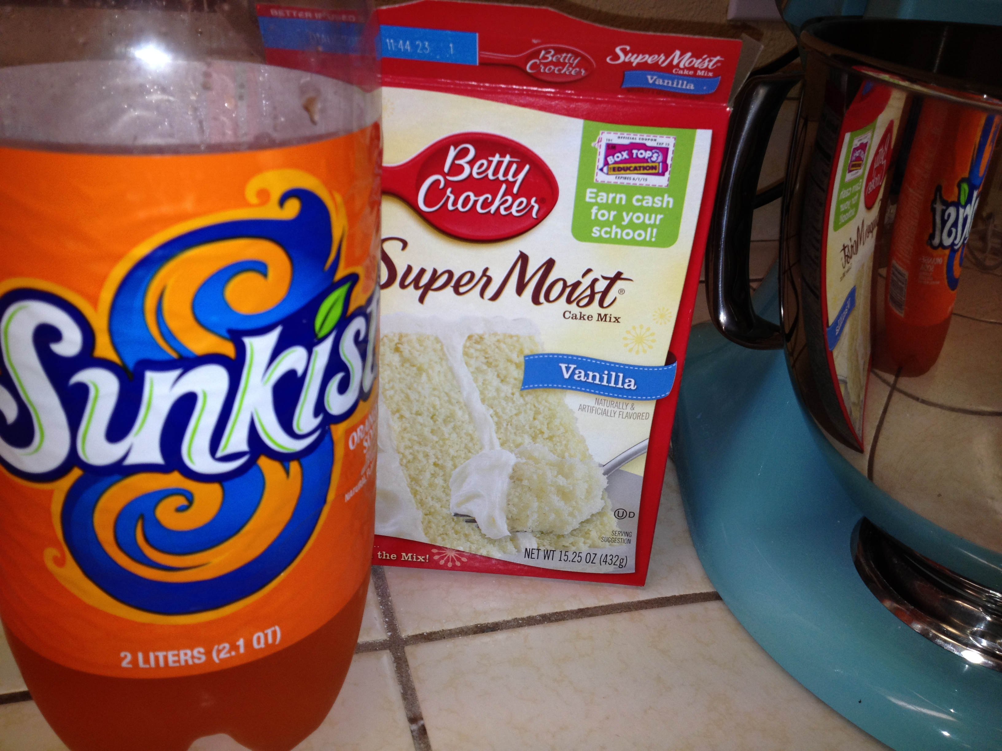 Orange soda cupcakes cookie carrie for What ingredients do you need to make a cake