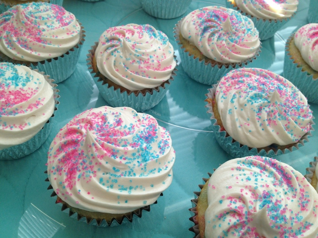 how to make gender reveal cupcakes